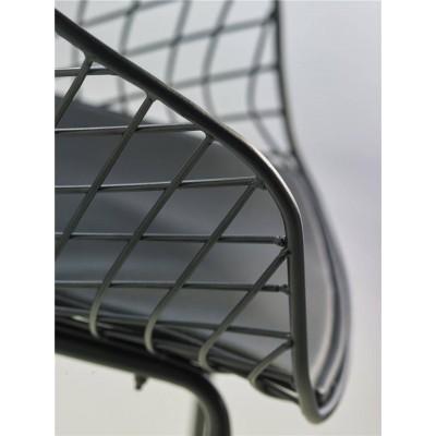 Butaca Wet. Estructura hierro. Tapizado negro.