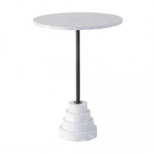 Mesa Auxiliar Terrace. Mesa tapa de mármol blanco, pata de hierro pintado negro con base de mármol color blanco. Camino a Casa.